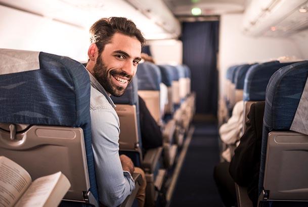 Homme dans l'avion